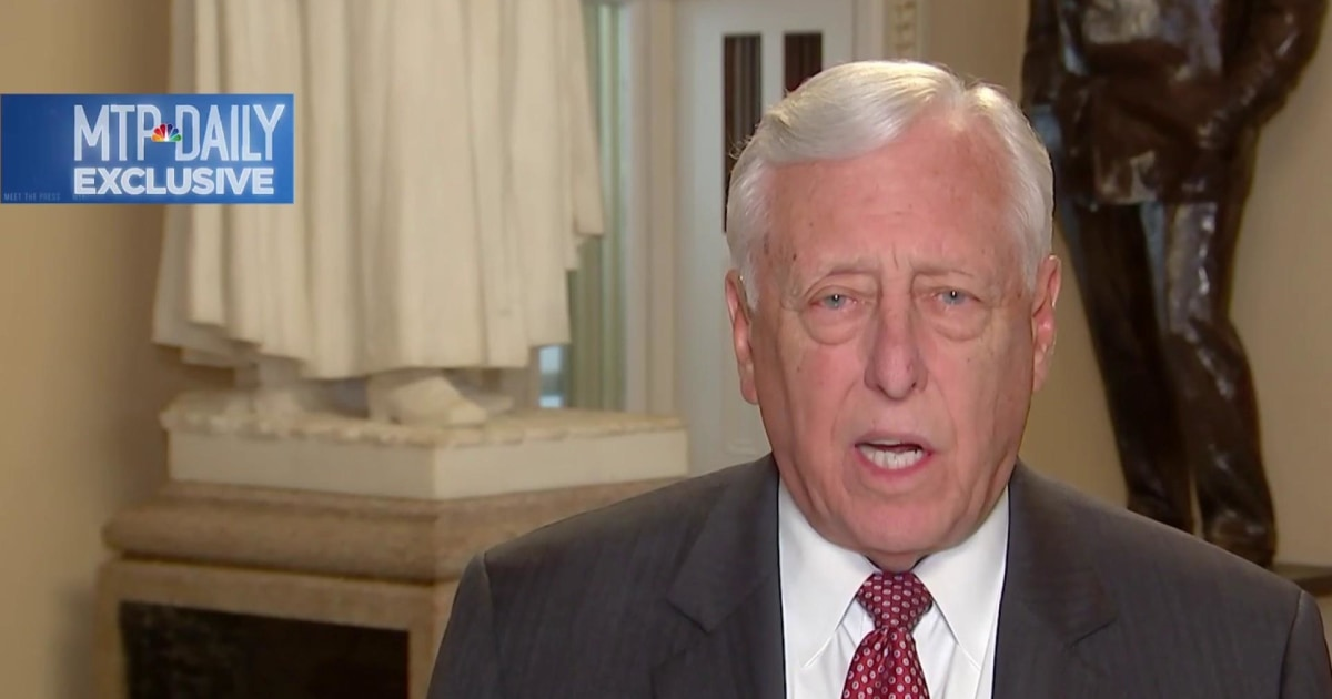 Hoyer describes scene in White House before Trump walked out