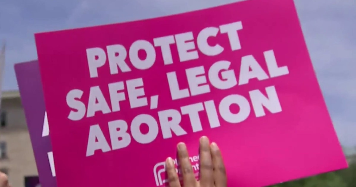 Full Schriock: 'Democrats are winning on the issue of supporting Roe'