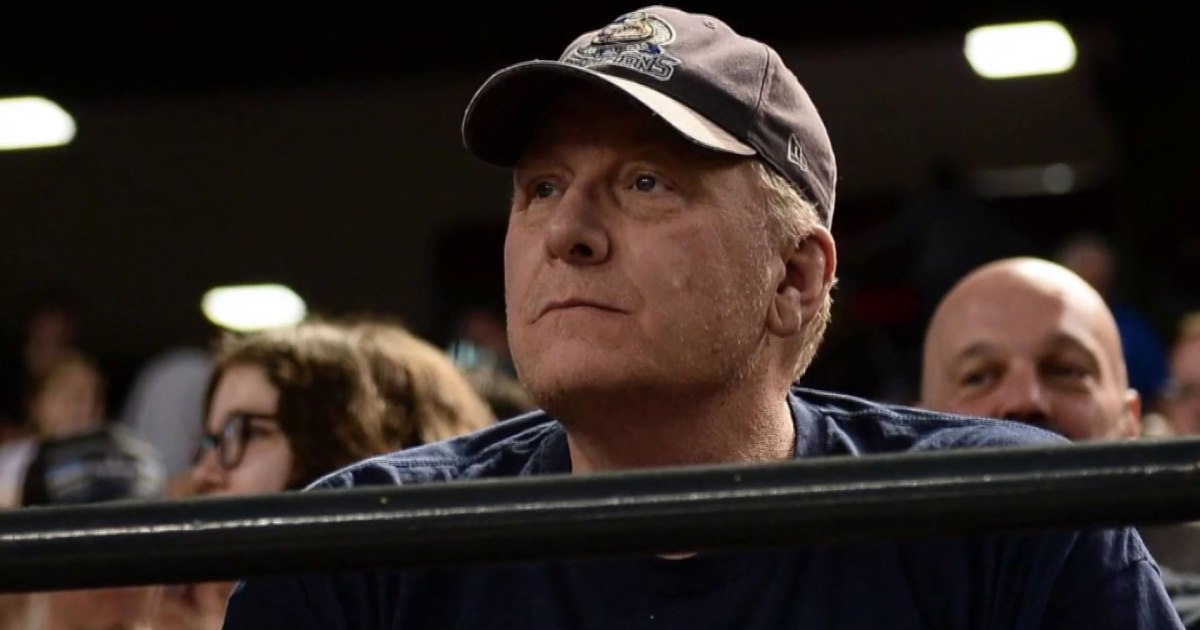 Ex-Red Sox pitcher Curt Schilling eyeing run for Congress in Arizona