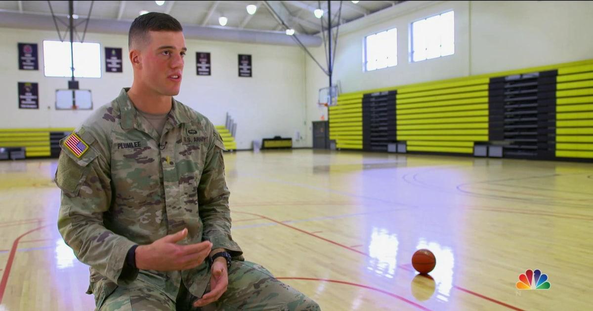 Μπάσκετ αστέρι γίνεται στο ΝΒΑ τζέρσεϋ για τη στρατιωτική στολή