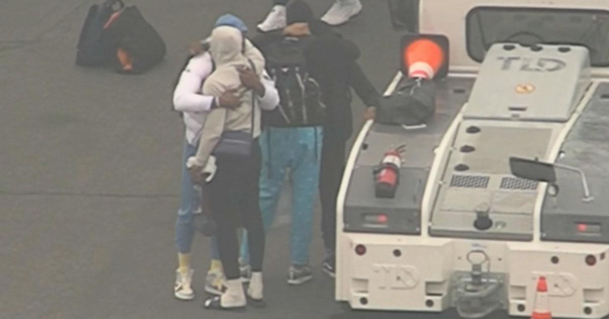 L.A.Lakersは到着ロサンゼルス空港からは明感の後、Kobe bryantの死