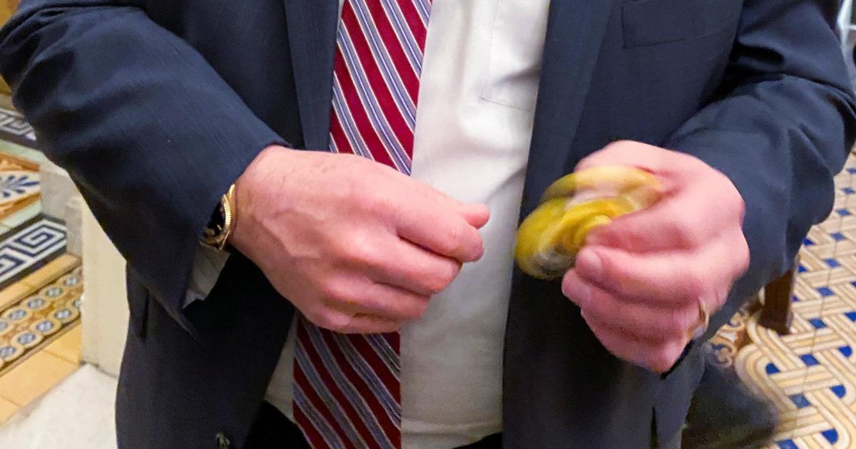 After days of fidget spinners, GOP senators 'attentive' during team Trump  presentation