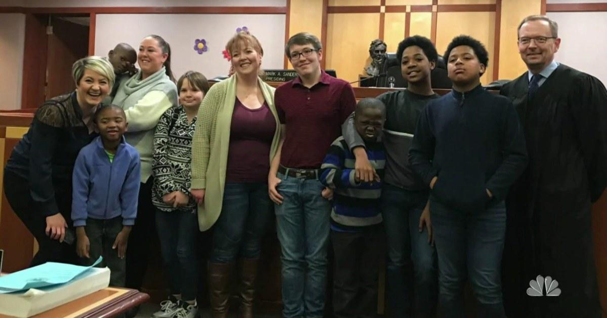 Milwaukee Mutter, aufgewachsen in Pflegefamilien nimmt 6 Jungen