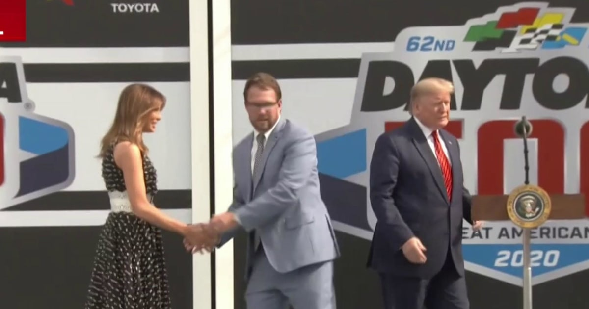 Trump gives 'start your engines' command as grand marshal at Daytona 500