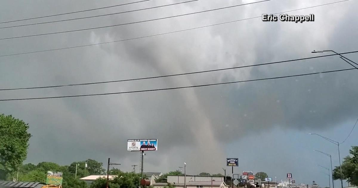 Deadly tornado hits Oklahoma