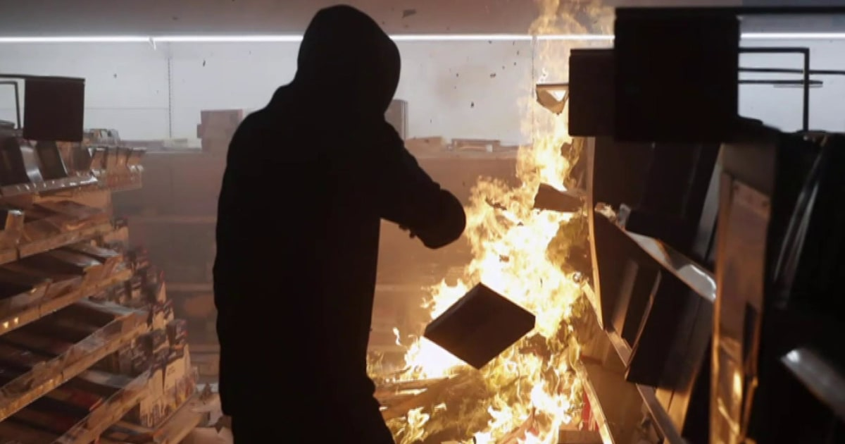 Terrorism expert: White supremacist agitators want protest chaos