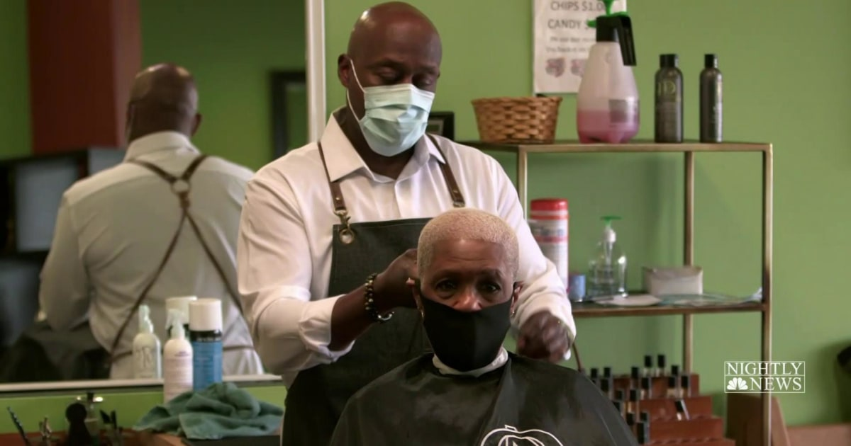 An Ohio barbershop nearly closed because of the pandemic. Then donations flooded in.