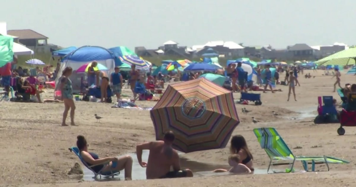 'There's people everywhere': Thousands flock to North Carolina beaches for Fourth of July weekend
