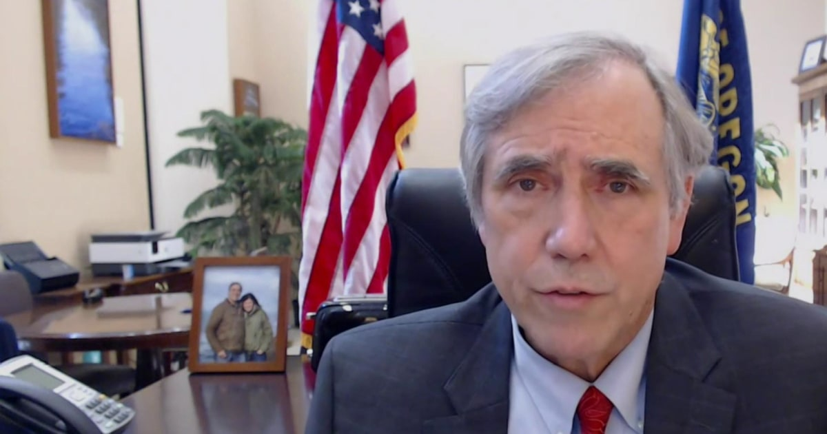 Merkley: Postmaster general might be working with Trump in a 'form of election manipulation'