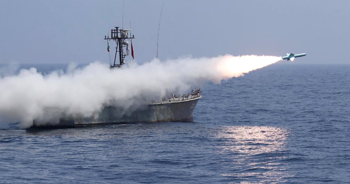 Cruise missiles tested during extensive Iranian naval exercises thumbnail