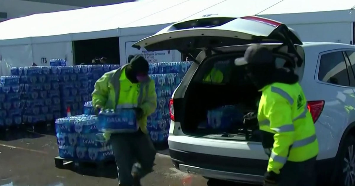 Millions in Texas still desperate for water after power crisis thumbnail