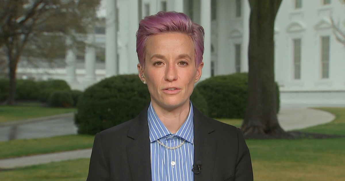 Megan Rapinoe speaks out about gender discrimination, equal pay thumbnail