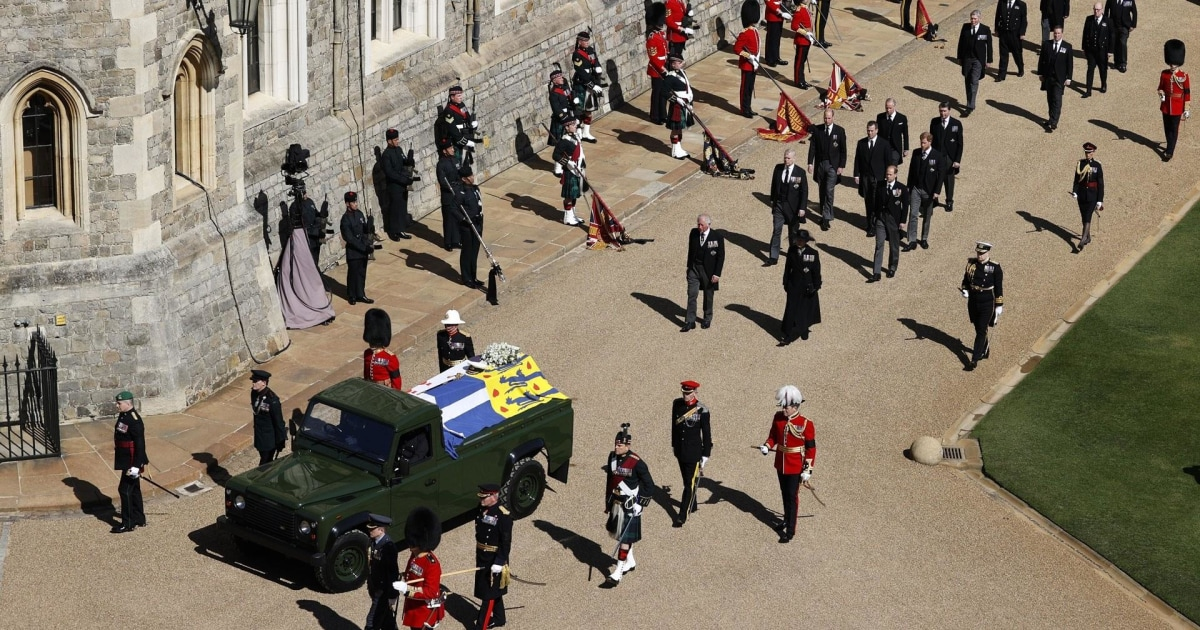Prince Philip's casket arrives at St. George's Chapel, gun salute fired on Windsor Castle lawn