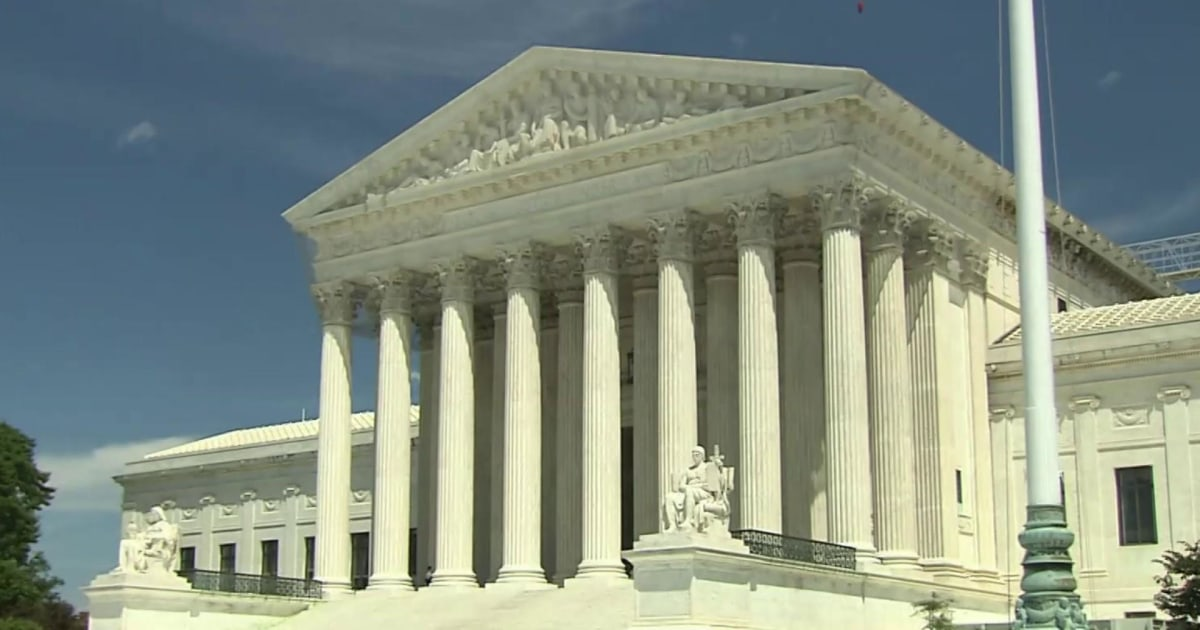 Democrats look to expand Supreme Court to 13 justices