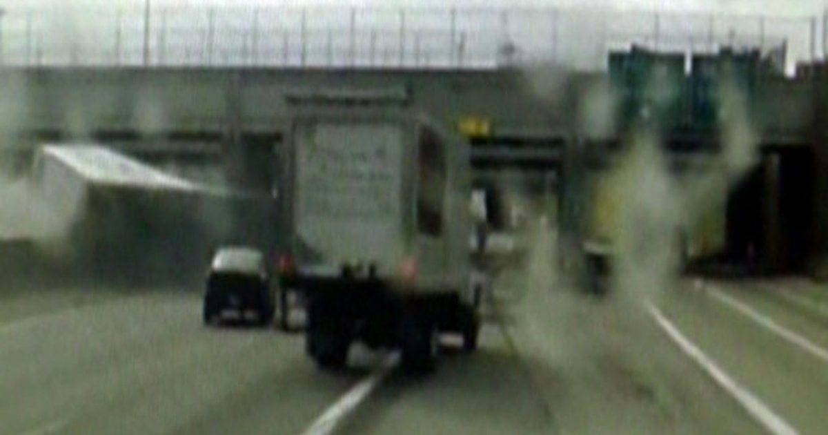 Horrific 18-Wheeler Crash Caught on Camera