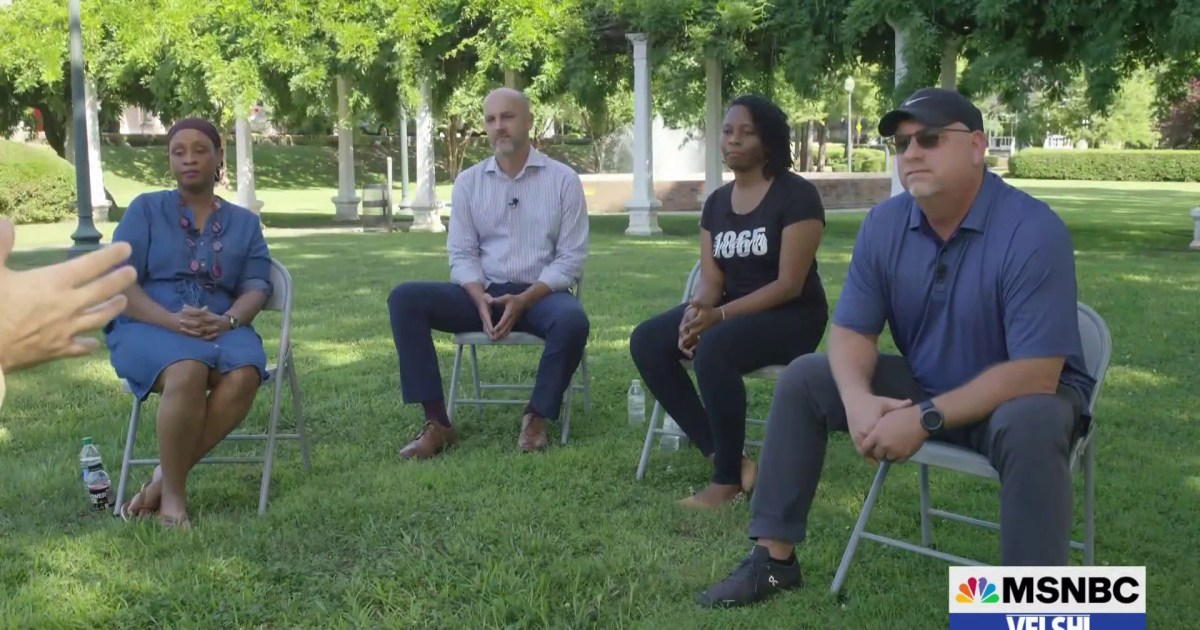 """""""I don't have white privilege."""" Mississippi residents tackle race & privilege with Ali Velshi"""