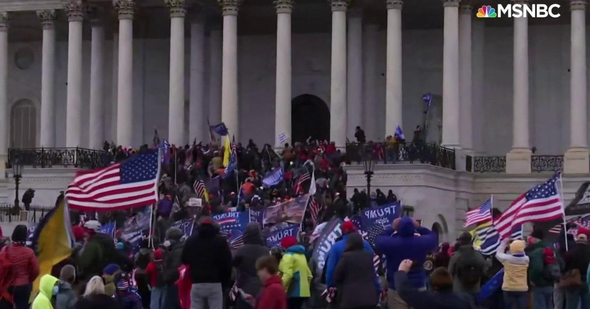 FBI agent acknowledges Trump supporters discussed 'revolution' prior to Capitol riot