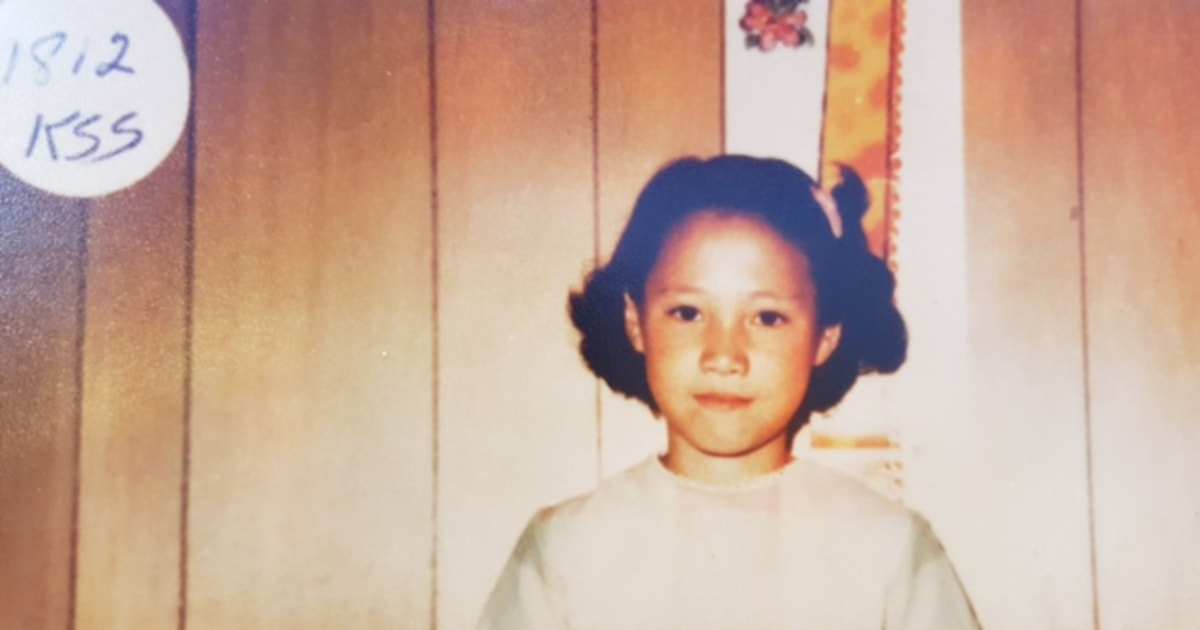Mixed Race Korean Adoptees Use Dna To Search For Roots