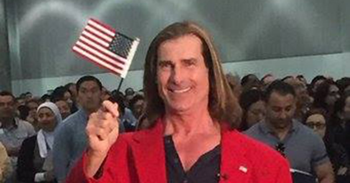famed romance novel model fabio becomes u s  citizen