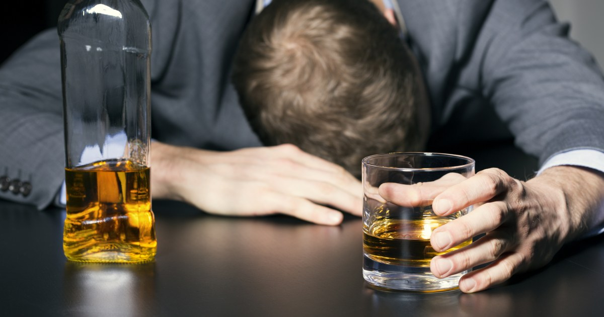 How to Help Your Loved Ones Fight Alcohol Addiction?
