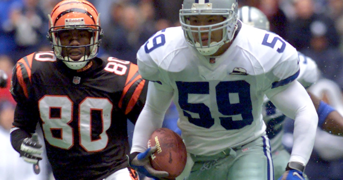 sale retailer 6c48b 7b8e8 Former Dallas Cowboy Dat Nguyen to Be Inducted to College ...