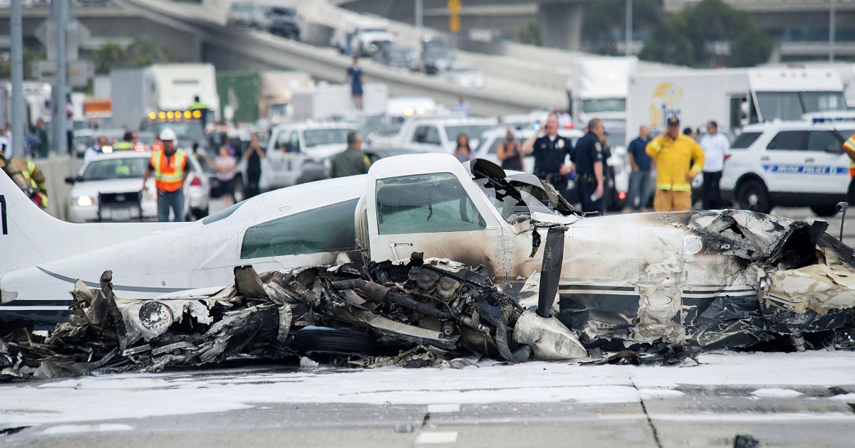 2 Hurt After Small Plane Crashes on California Highway