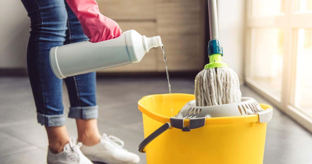 washing floors-н зурган илэрц