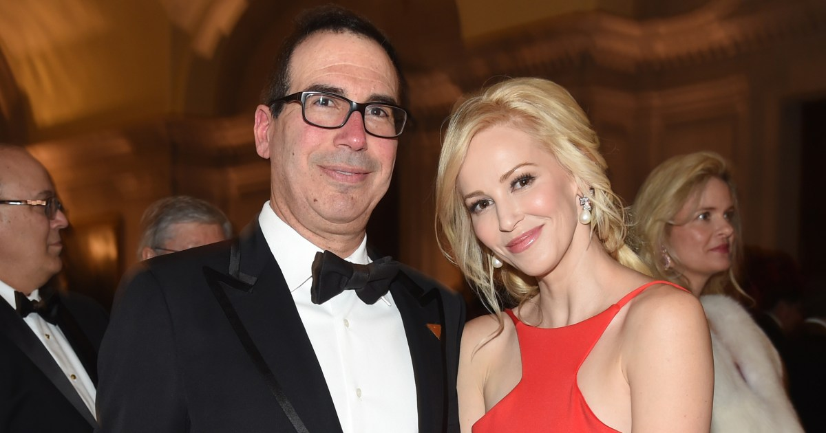 Mnuchin Wife Photo >> Treasury Secretary Mnuchin S Wife Apologizes After Wealth Rant