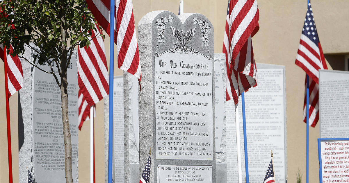 b50742414800 Supreme Court Stays Out of Ten Commandments Fight