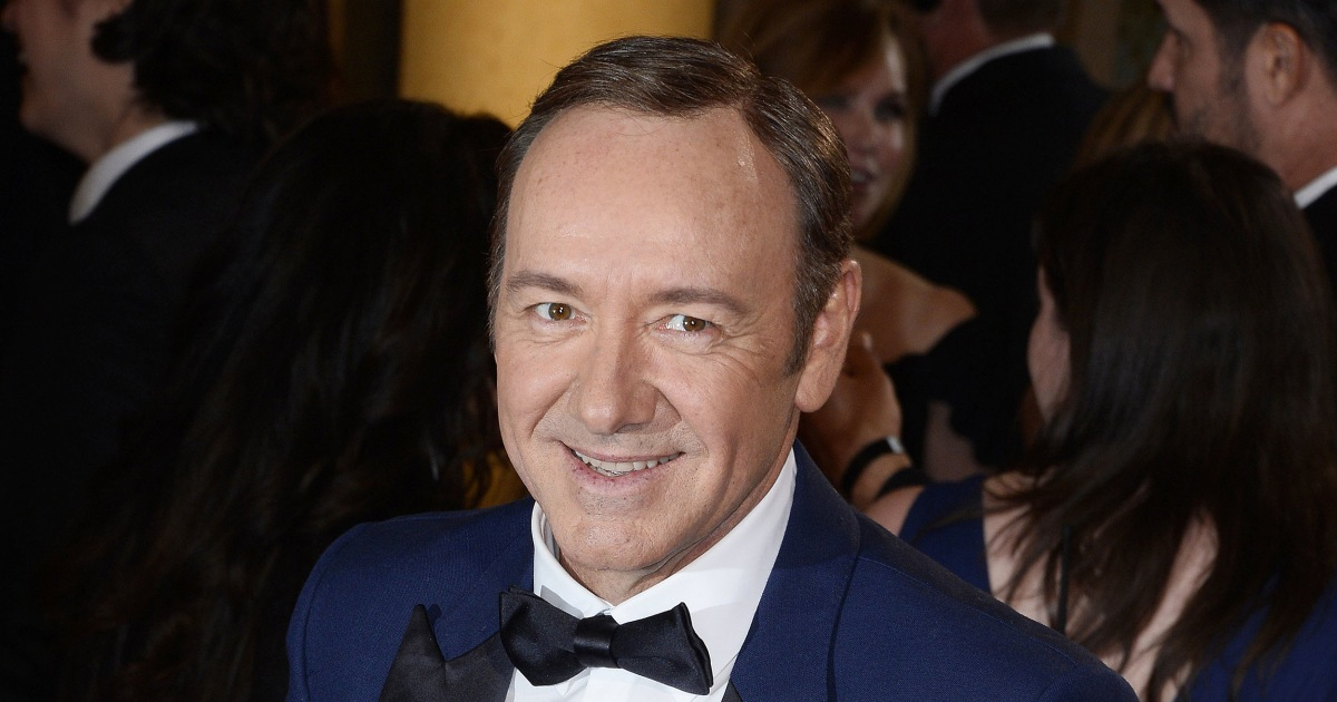 Kevin Spacey: Old Vic investigation finds 20 allegations of 'inappropriate behaviour'
