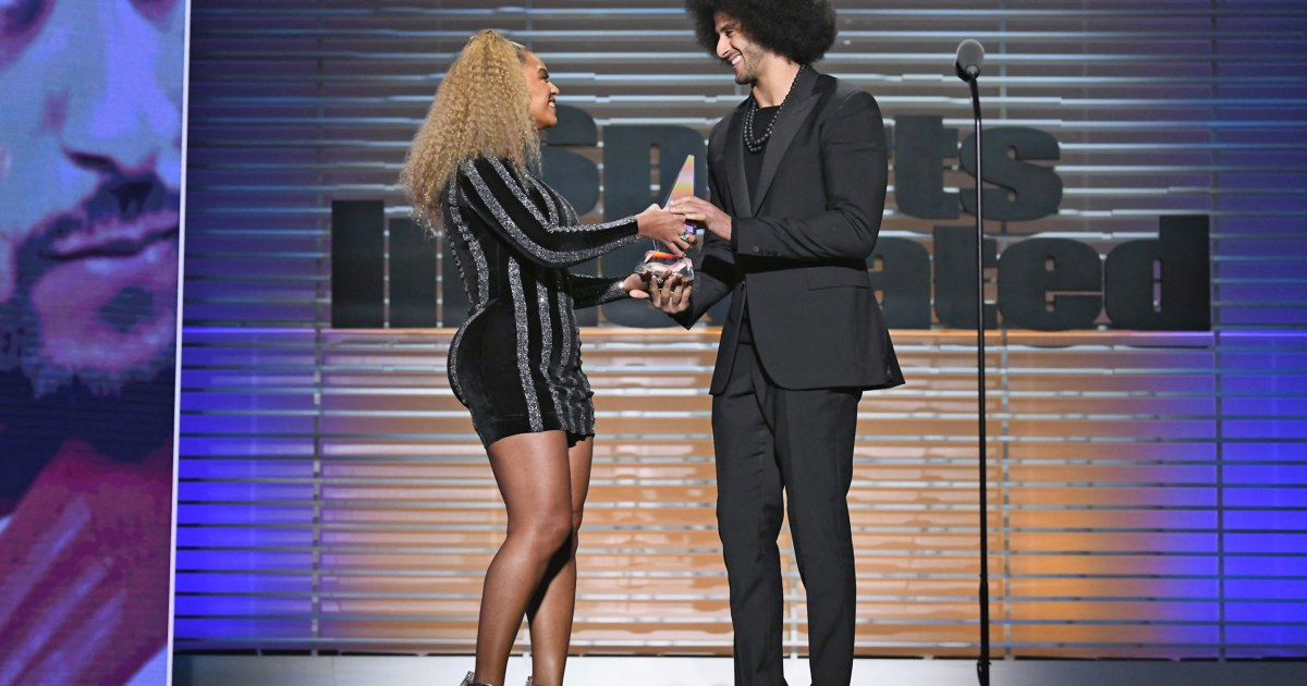 Beyoncé surprises Colin Kaepernick to present SI Muhammad Ali Legacy Award
