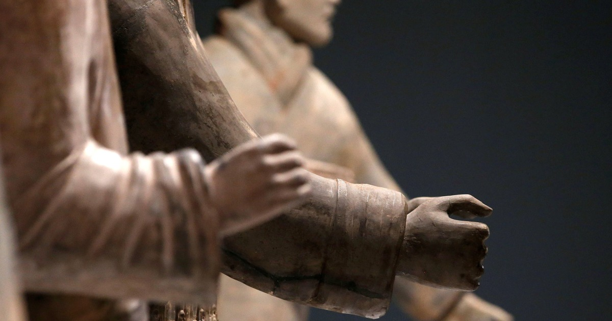 Terra-cotta warrior's thumb broken off, stolen from Philadelphia museum