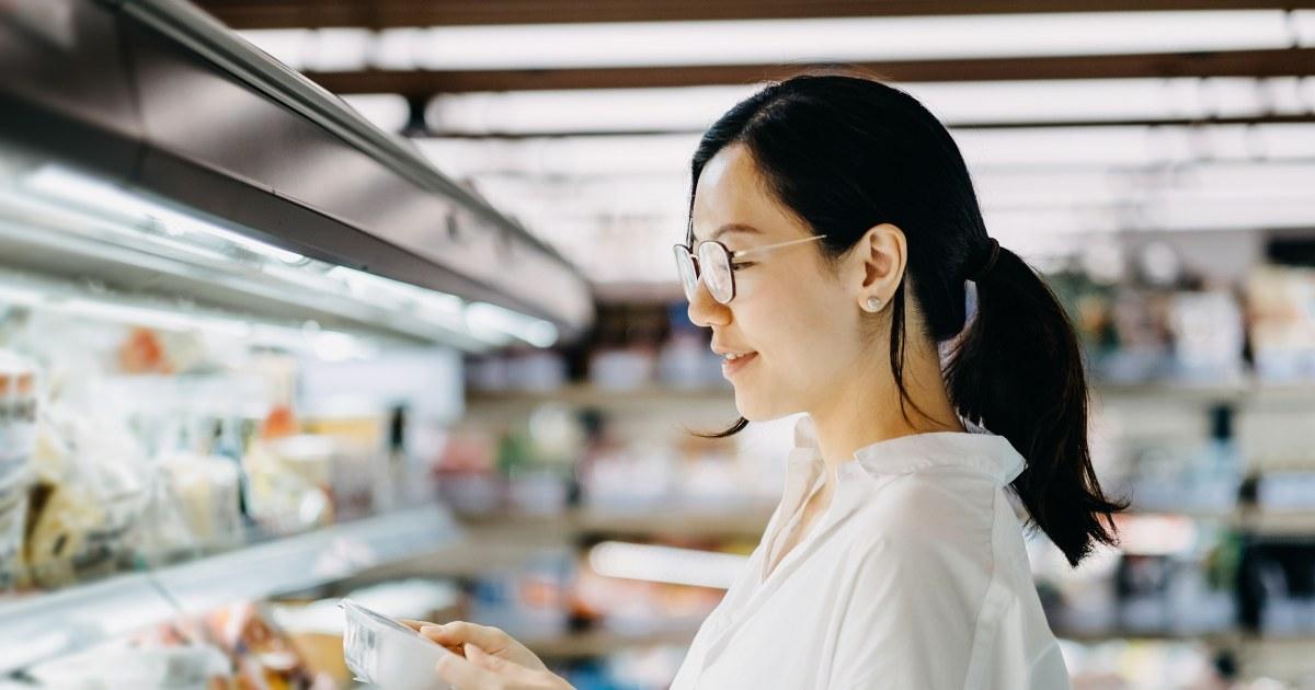 どのよう一人の女性幅に削減した彼女の食料品買$100ヶ月