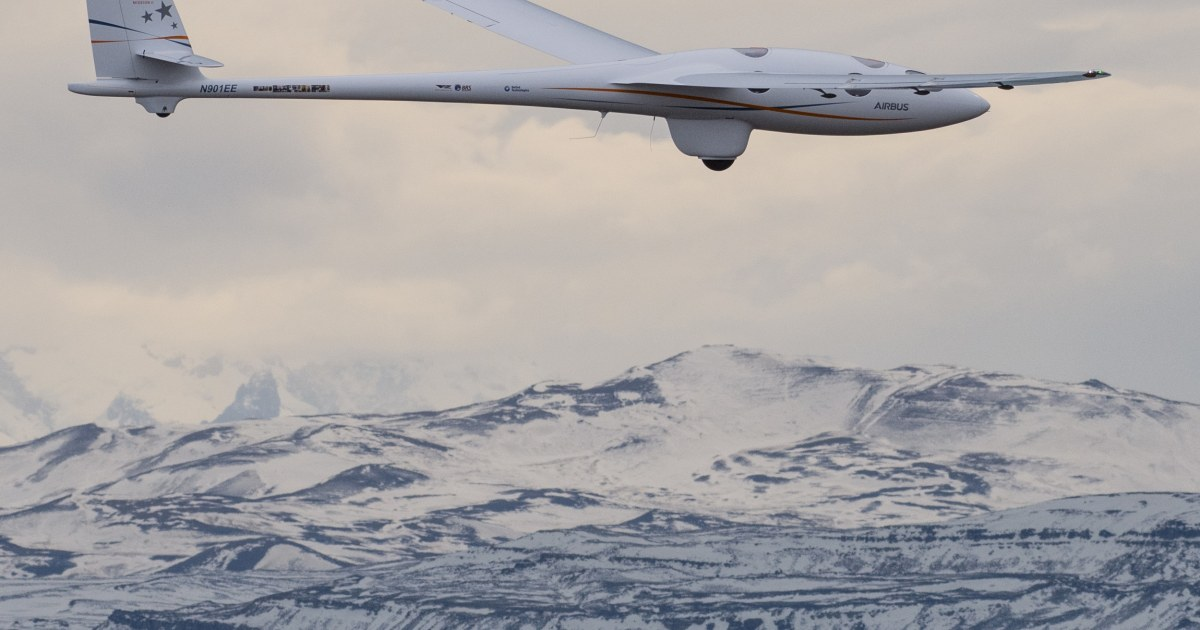 Experimental glider smashes record for high-altitude flight