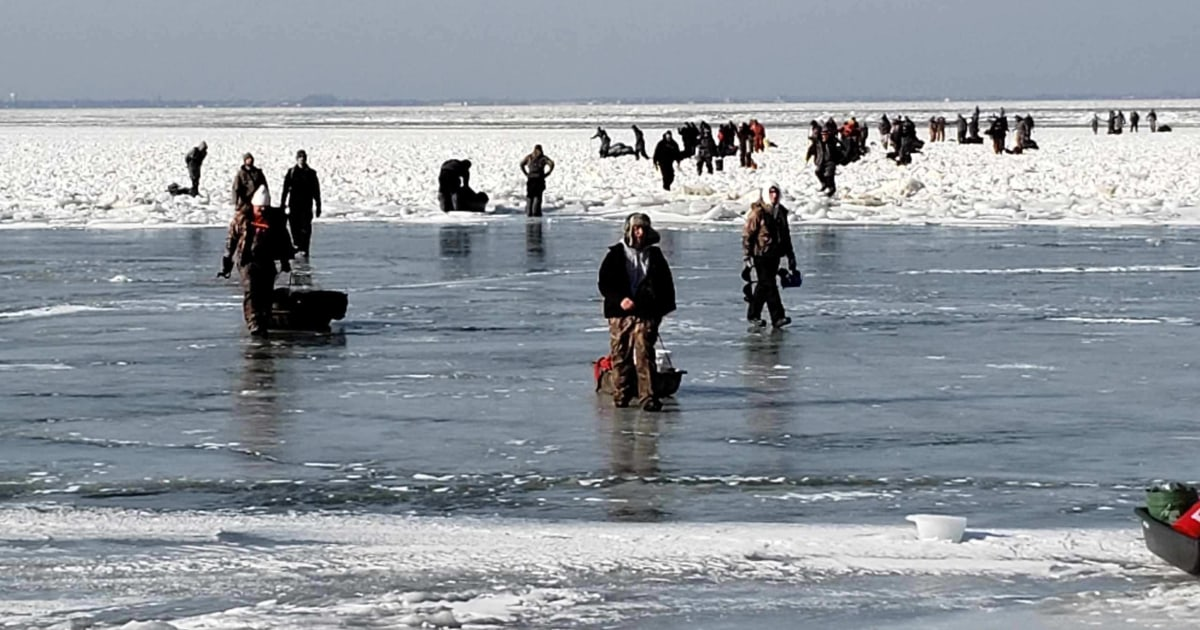 Over 40 ice fishermen rescued after ice floe breaks off in Lake Erie