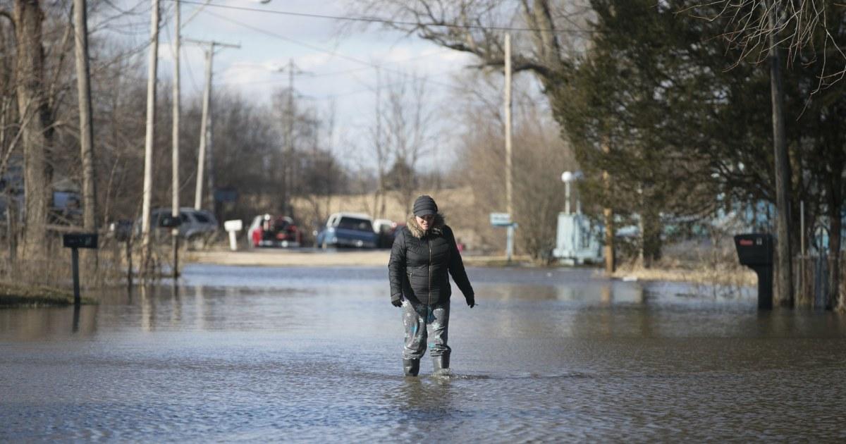 Photos Devastating Floods Leave Midwest Under Water