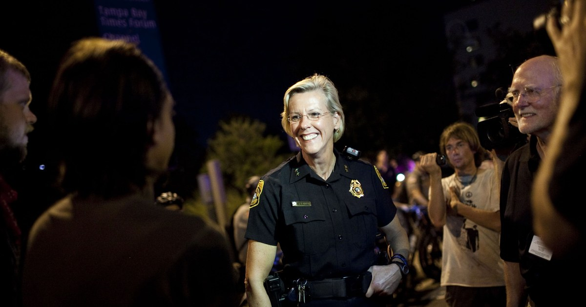 Tampa elects first out lesbian mayor, ex-police chief Jane