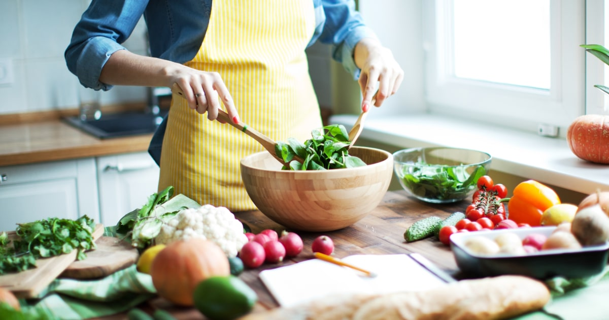 Το στρές δεν θα βοηθήσει. Χρησιμοποιήστε αυτή τη ρουτίνα για να παραμείνουν υγιείς, ενώ είστε κολλημένοι στο σπίτι σας.