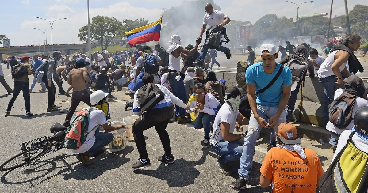 Clashes In Venezuela As Guaidó Calls For Uprising; Maduro