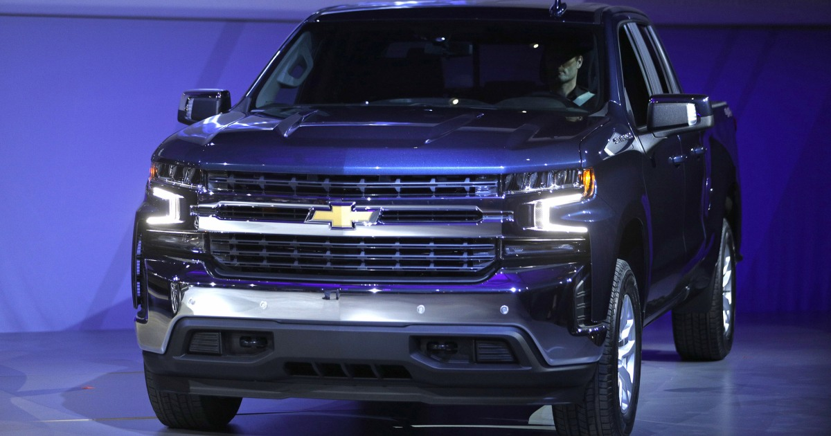 GM recalling hundreds of thousands of trucks after reports ...