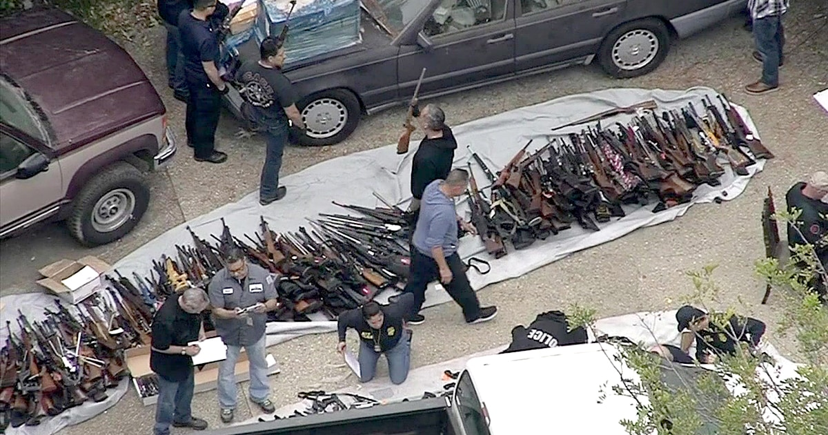 More than 1,000 weapons seized in ritzy Los Angeles neighborhood thumbnail