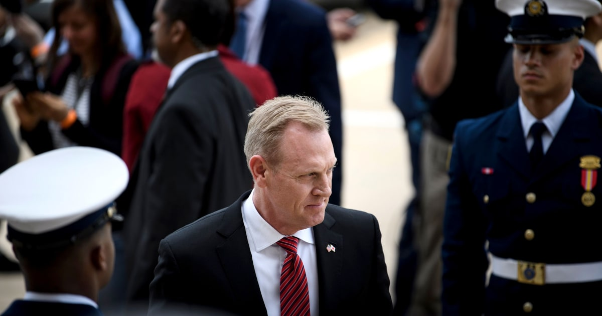 Shanahan tells White House office not to politicize the military thumbnail