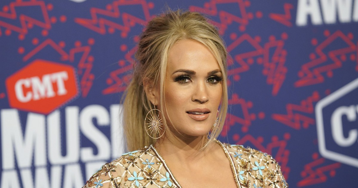 Carrie Underwood continues her reign at CMT Awards