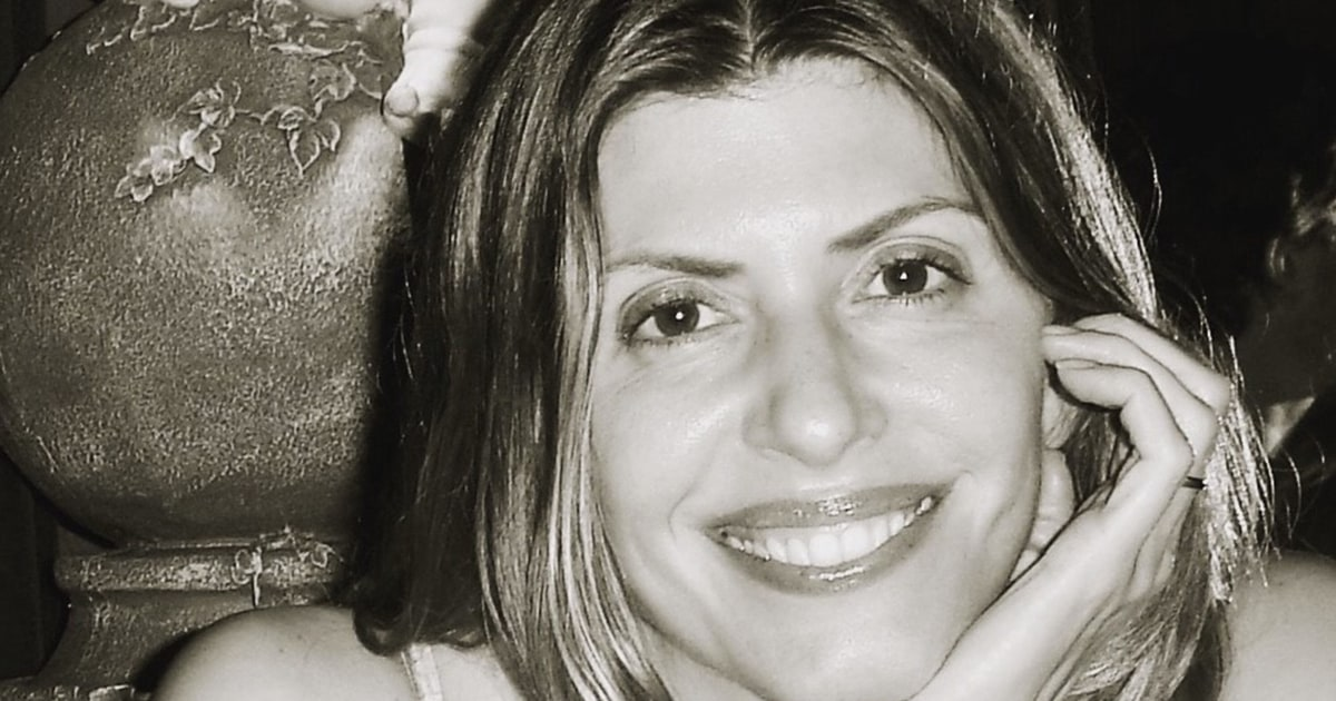 Jennifer Dulos' estranged husband charged with murder in her disappearance thumbnail