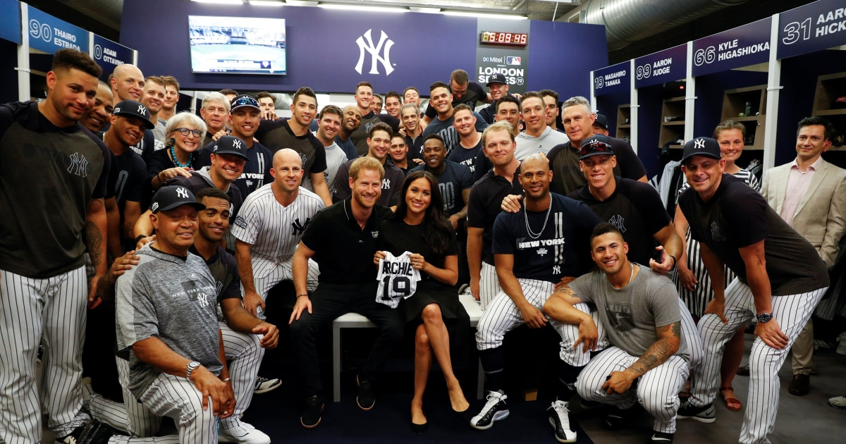Meghan Markle And Prince Harry Meet Yankees And Red Sox