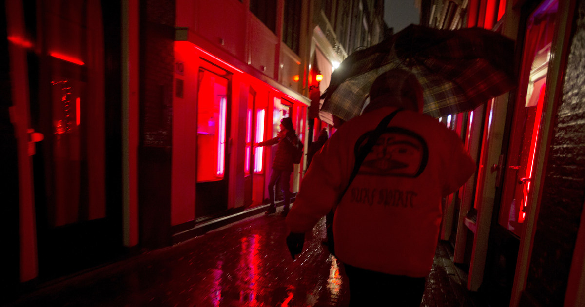 Close The Windows Amsterdam Mulls Red Light District Change