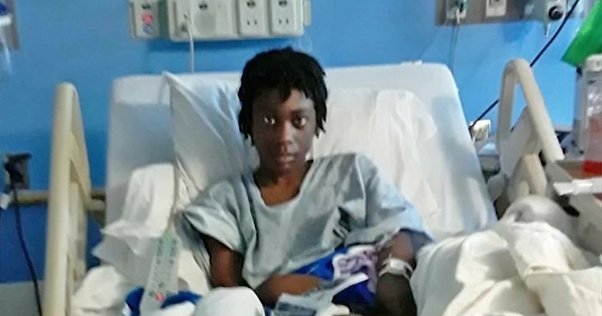 12-year-old boy sitting on bed shot in knee during police raid, lawsuit says