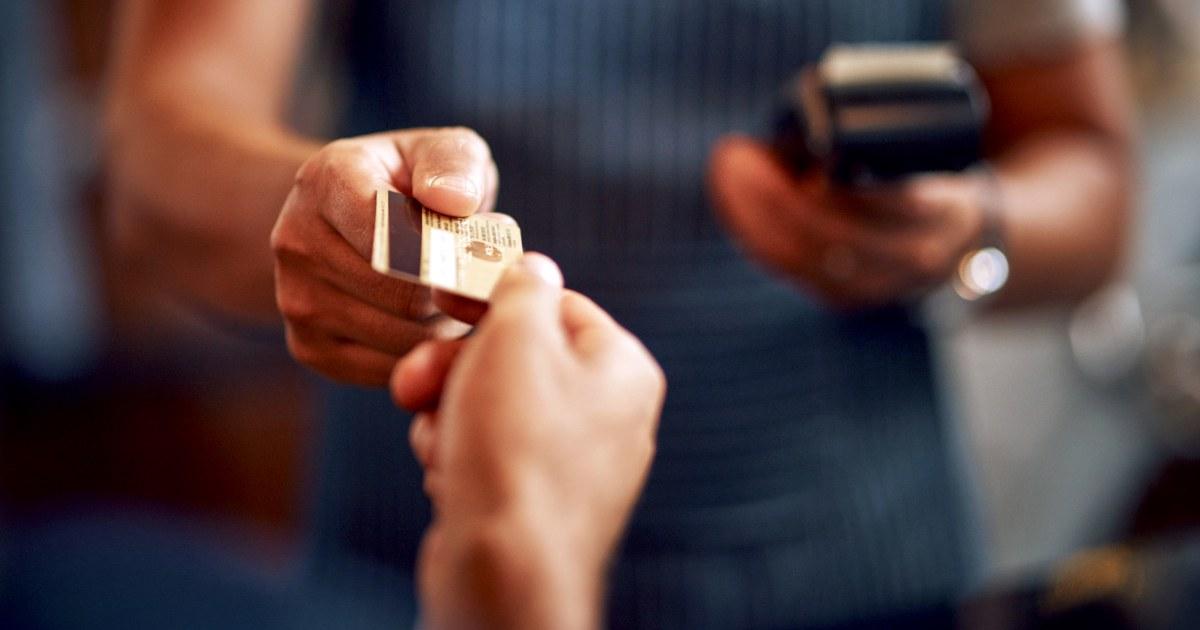 Die Amerikaner drängen auf Kreditkarten-Schulden, trotz Rezession Warnungen