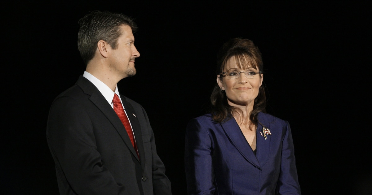 Sarah Palin's husband, Todd, files for divorce over 'incompatibility of temperament'