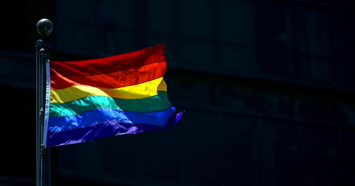 自殺率が低下する中でゲイユースも踏襲しても、頭一つ抜けて直ち